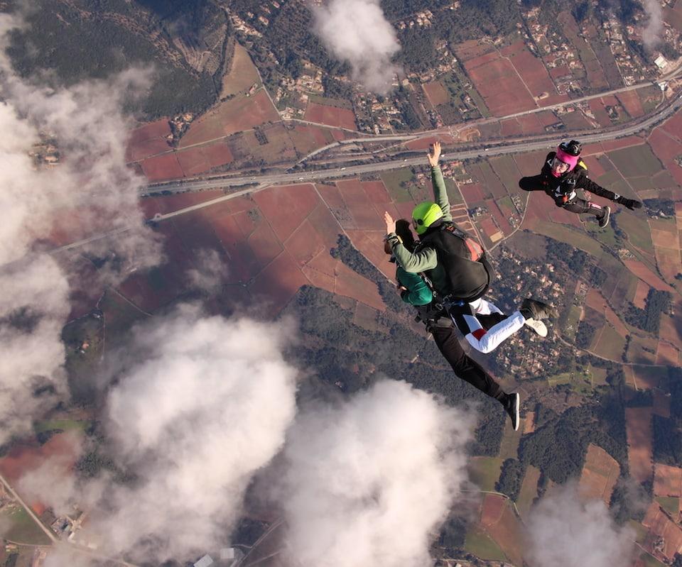 Saut en parachute dans le var en sortie d'avion avec Newton Parachutisme