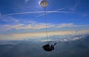 saut en parachute dans le var