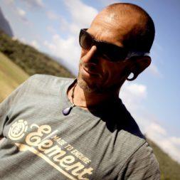 photo de profil de tristan gérant de l'école de parachutisme Newton Experience