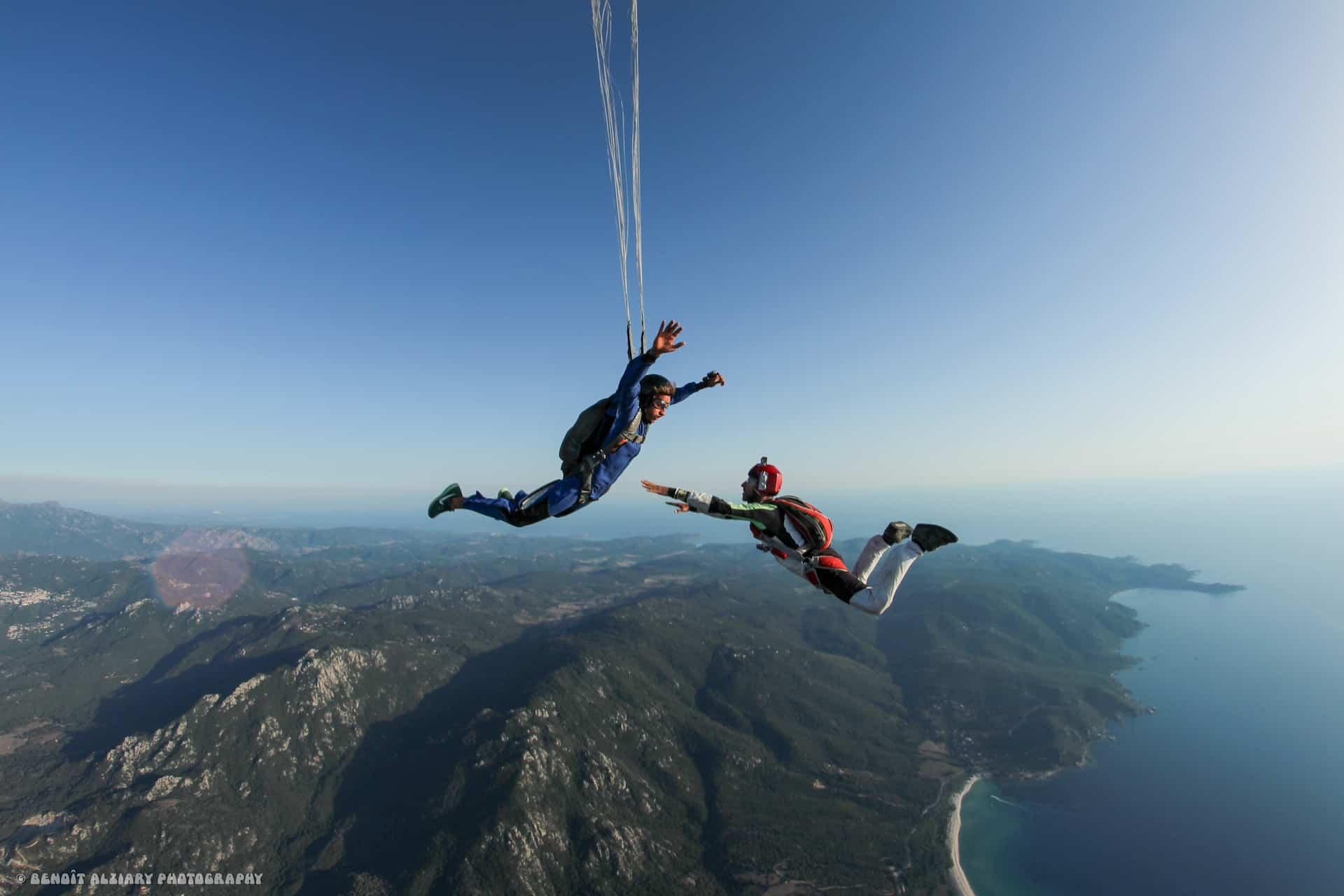 Saut parachute formation paca en Corse