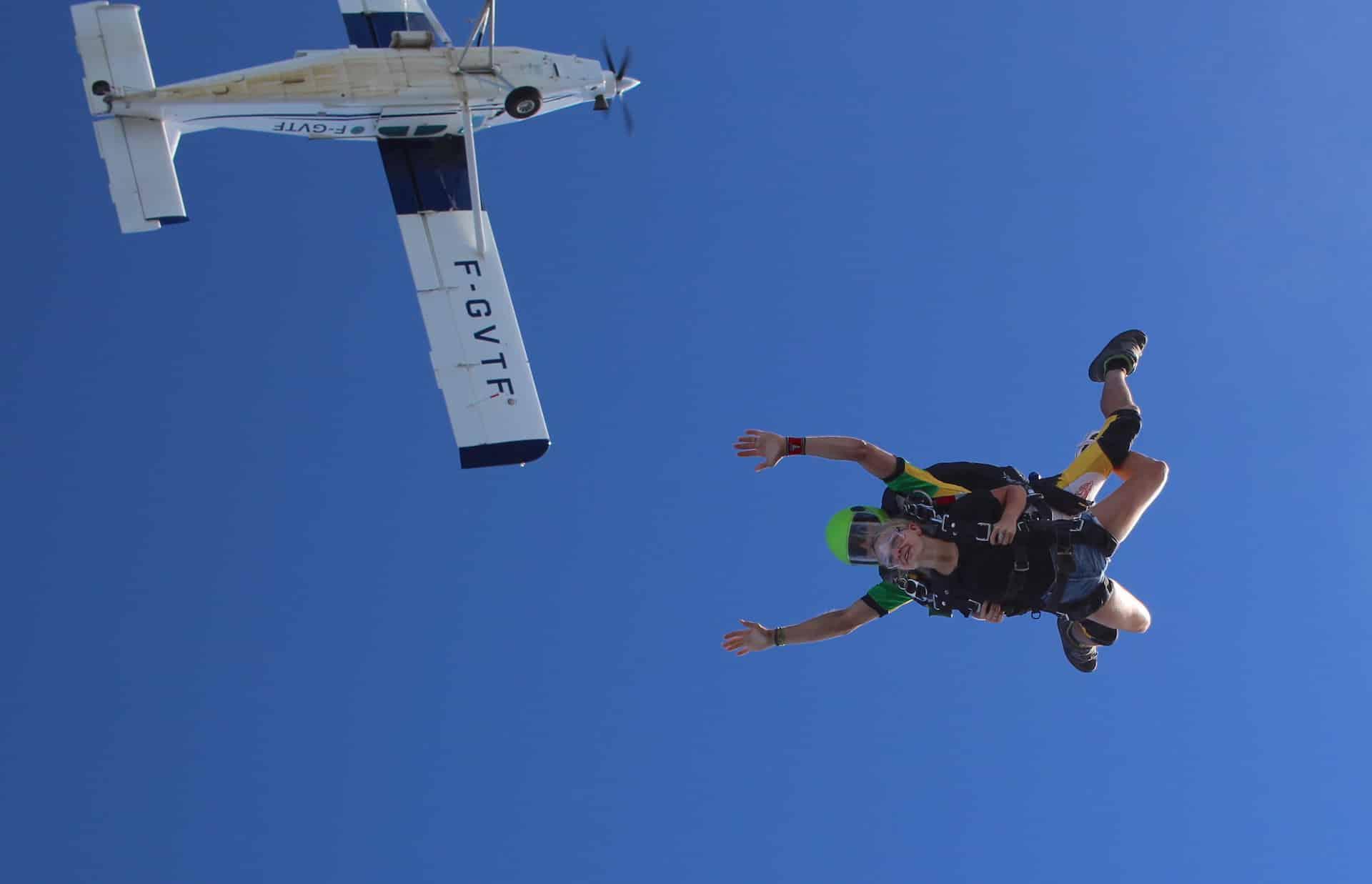 Photo de saut en parachute en bapteme