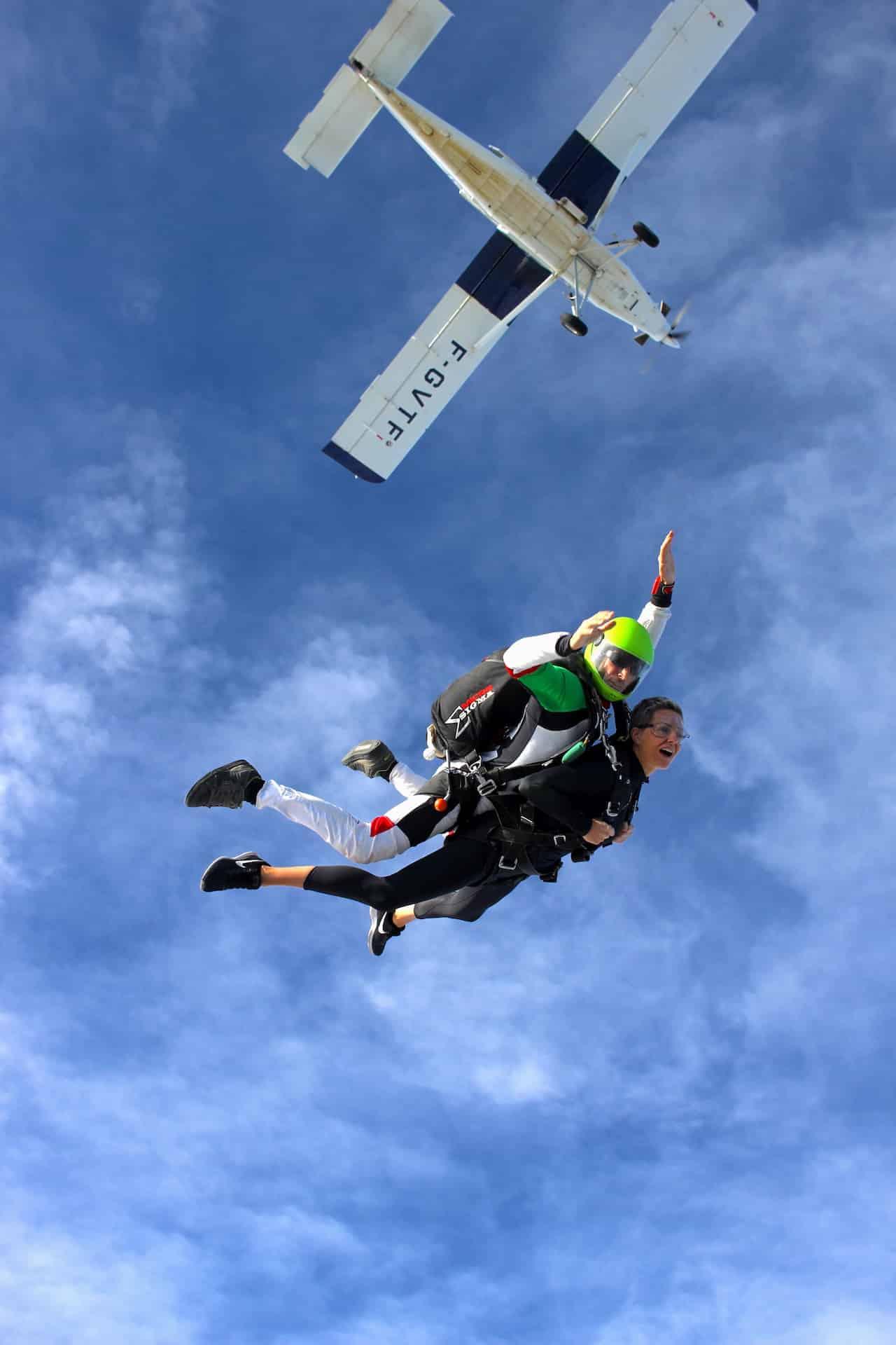 Photo de saut en parachute en sortie de pilatus
