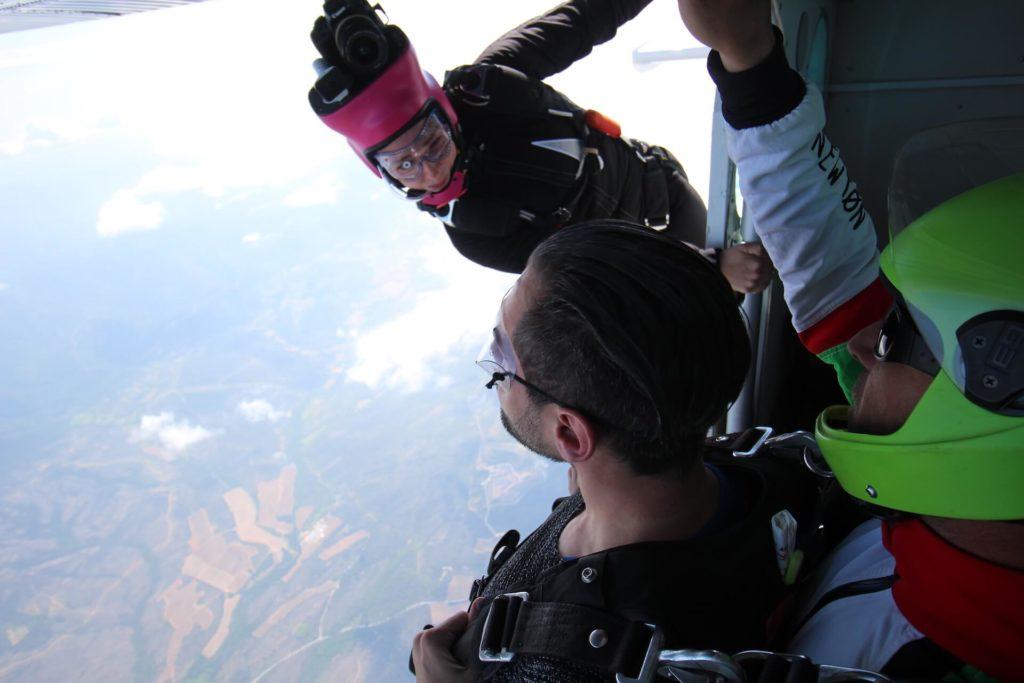 Saut en parachute pour un anniversaire vidéo photos