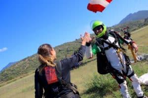 Impression saut dans le livre d'or parachute